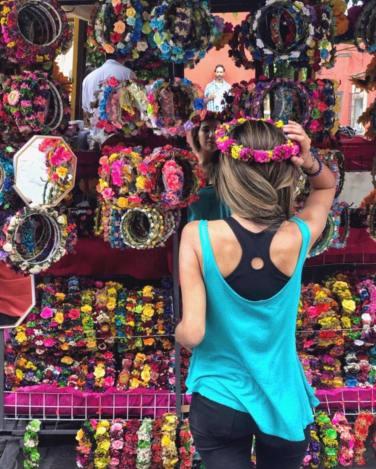 San Miguel de Allende. Coronas de flores secas naturales